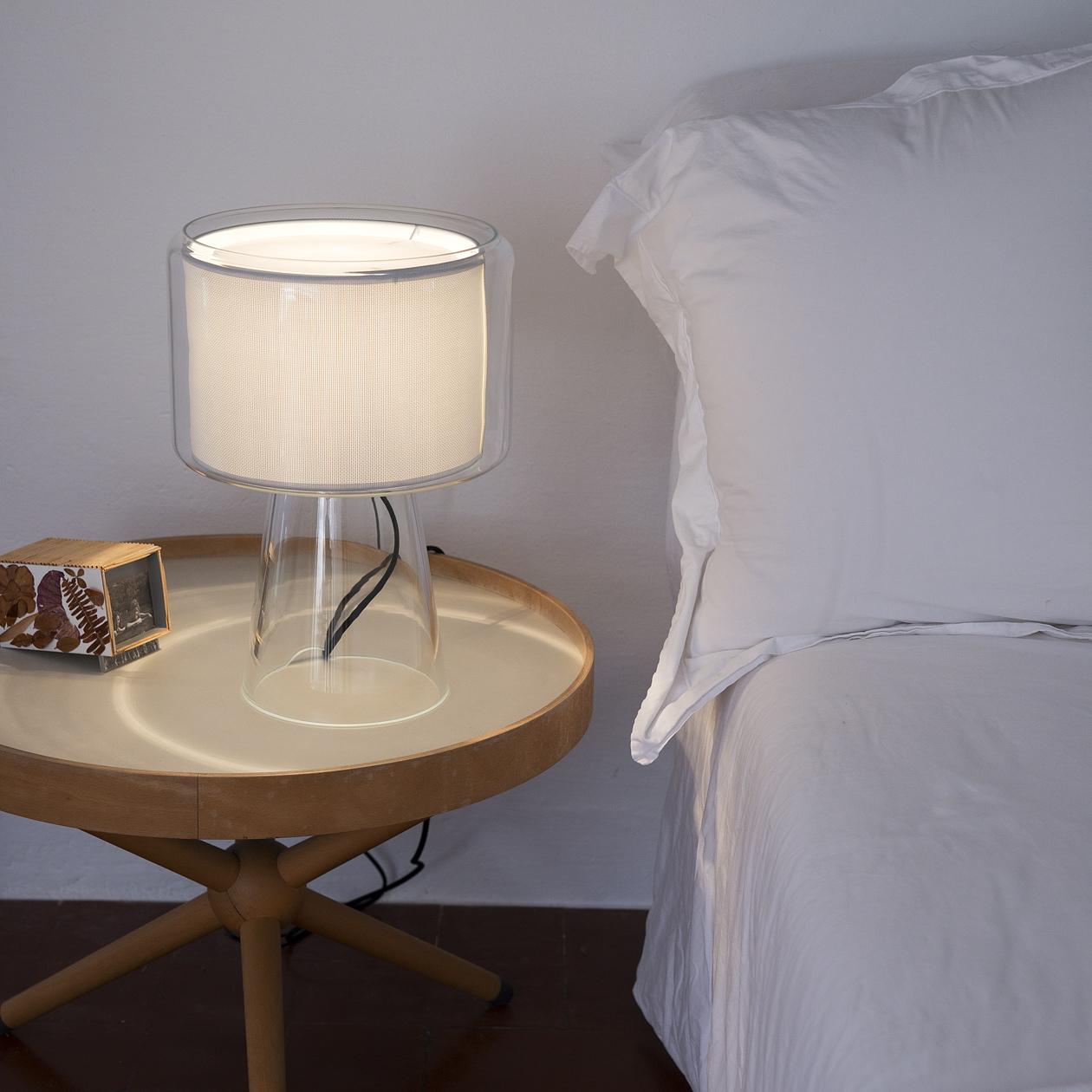 Marset_MERCER_pearl_white_table