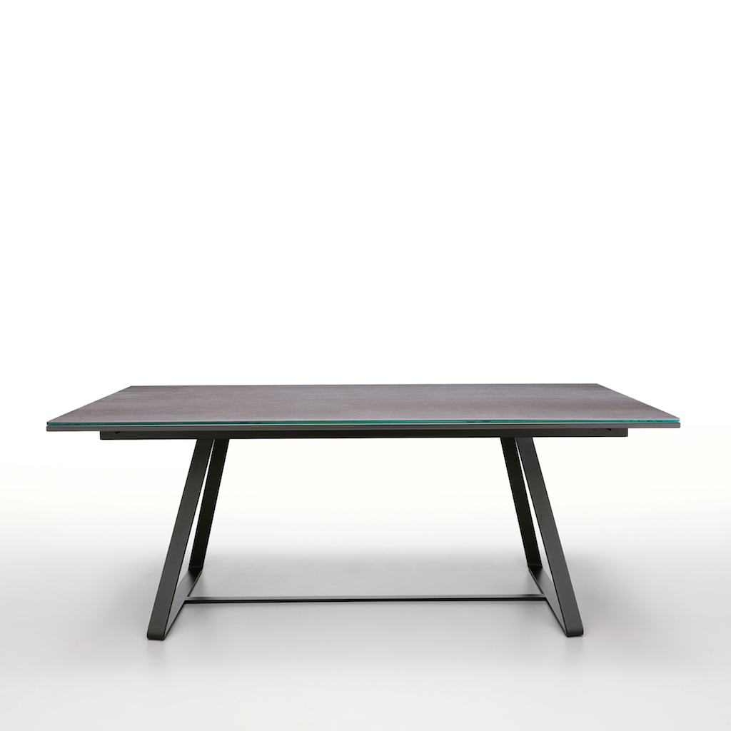 Midj_ALFRED_dining_table_1